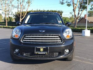 2013 MINI Cooper Countryman Cooper Carfax 1-Owner  Absolute Black Metallic  We are not respons