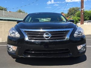 2015 Nissan Altima 25 SV Carfax 1-Owner - No AccidentsDamage Reported  Super Black  We are n