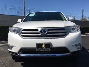 2013 Toyota Highlander Limited Carfax 1-Owner  White  We are not responsible for typographical