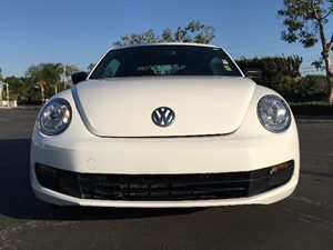 2014 Volkswagen Beetle Coupe 25L Entry PZEV Carfax Report  White  We are not responsible for