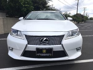 2015 Lexus ES 350 Base Carfax 1-Owner  Ultra White  We are not responsible for typographical e