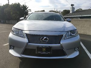 2015 Lexus ES 350 Base Carfax 1-Owner - No AccidentsDamage Reported  Silver  We are not respo