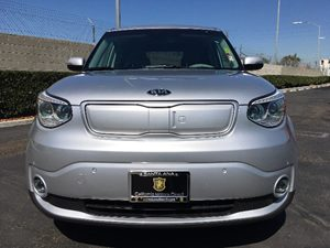 2016 Kia Soul EV  Carfax 1-Owner - No AccidentsDamage Reported  Bright Silver Metallic  We a