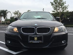 2011 BMW 3 Series 328i Carfax Report - No AccidentsDamage Reported  Black  We are not respons
