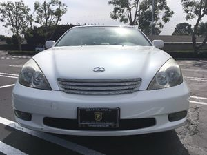 2004 Lexus ES 330 Base Carfax Report  Black  We are not responsible for typographical errors