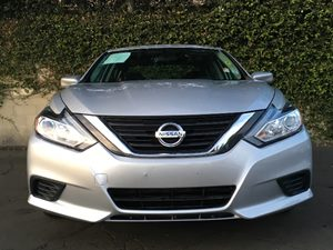 2016 Nissan Altima 25 Carfax 1-Owner - No AccidentsDamage Reported  Brilliant Silver  We are