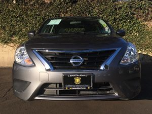 2016 Nissan Versa 16 SV Carfax 1-Owner - No AccidentsDamage Reported  Gray  We are not respo