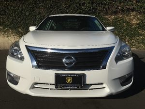 2015 Nissan Altima 25 S Carfax 1-Owner - No AccidentsDamage Reported  White  We are not resp
