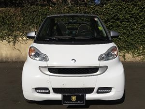 2009 smart fortwo BRABUS cabriolet Carfax Report - No AccidentsDamage Reported  White  We are
