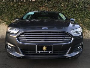 2015 Ford Fusion SE Carfax 1-Owner  Gray  We are not responsible for typographical errors All