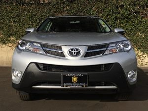 2015 Toyota RAV4 XLE Carfax 1-Owner - No AccidentsDamage Reported  Classic Silver Metallic  W