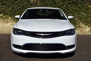 2016 Chrysler 200 Limited Carfax 1-Owner - No AccidentsDamage Reported  Bright White Clearcoat