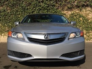 2015 Acura ILX 20L Carfax 1-Owner  Silver Moon Metallic  We are not responsible for typograph