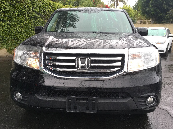 2015 Honda Pilot Touring  Crystal Black Pearl All advertised prices exclude government fees and