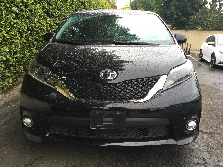 2015 Toyota Sienna SE 8-Passenger  Attitude Black All advertised prices exclude government fees