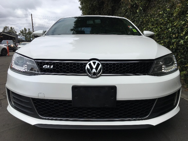 2013 Volkswagen JETTA GLI Autobahn PZEV  Candy White All advertised prices exclude government f