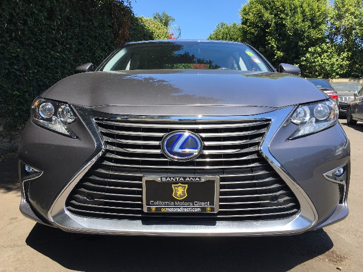 2016 Lexus ES 300h  Air Conditioning Multi-Zone AC Analog Display Audio Auxiliary Audio Input