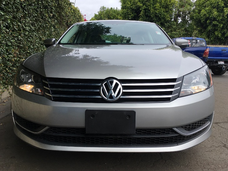 2013 Volkswagen Passat SE PZEV  Silver All advertised prices exclude government fees and taxes