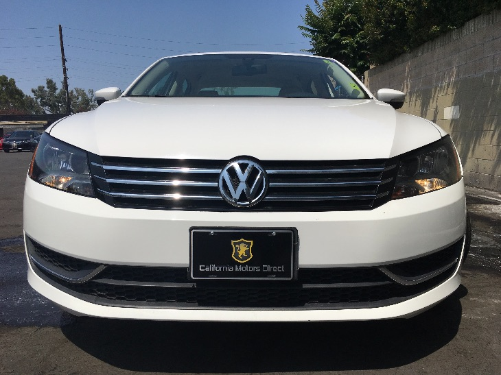 2013 Volkswagen Passat SE PZEV  Candy White All advertised prices exclude government fees and t