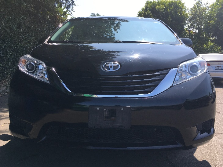 2015 Toyota Sienna Le  Attitude Black All advertised prices exclude government fees and taxes