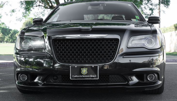 2012 Chrysler 300 SRT8 64L V8 Srt Hemi Mds Engine Gloss Black Great quick and powerful car A