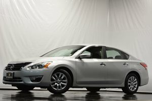 2013 Nissan Altima 25 S Carfax 1-Owner - No Accidents  Damage Reported to CARFAX Air Conditioni