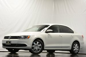 2013 Volkswagen Jetta Sedan SE Carfax 1-Owner Air Conditioning  AC Audio  Auxiliary Audio Inp