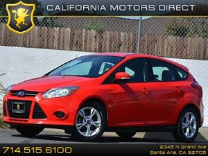 2013 Ford Focus SE Carfax 1-Owner - No Accidents  Damage Reported to CARFAX  Race Red CLEAN T