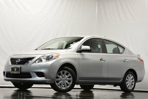2014 Nissan Versa SV Carfax 1-Owner - No Accidents  Damage Reported to CARFAX 4 Cylinders Air C