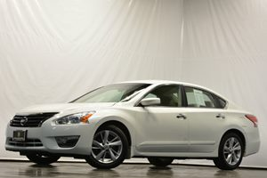 2013 Nissan Altima 25 SV Carfax 1-Owner - No Accidents  Damage Reported to CARFAX Air Condition