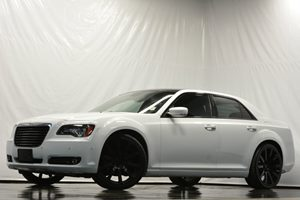 2014 Chrysler 300 300S Carfax 1-Owner - No Accidents  Damage Reported to CARFAX Audio  Auxiliar