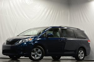 2012 Toyota Sienna LE AAS Carfax 1-Owner Air Conditioning  AC Air Conditioning  Rear AC Aud