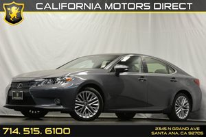 2014 Lexus ES 350  Carfax 1-Owner Audio  Auxiliary Audio Input Convenience  Keyless Start Con