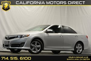 2012 Toyota Camry SE Carfax 1-Owner - No Accidents  Damage Reported to CARFAX 6040 Split-Foldin