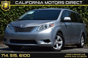 2015 Toyota Sienna LE AAS Carfax 1-Owner - No Accidents  Damage Reported to CARFAX Air Condition