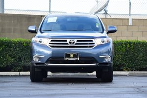 2013 Toyota Highlander  Carfax 1-Owner Air Conditioning  AC Audio  Auxiliary Audio Input Con