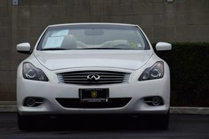 2013 Infiniti G37 Convertible Base Carfax 1-Owner - No AccidentsDamage Reported Audio  Auxiliar