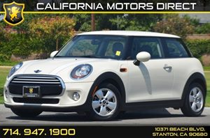 2014 MINI Cooper Hardtop  Carfax 1-Owner 3 Cylinders Air Conditioning  AC Audio  AmFm Stere