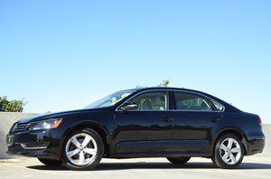 2013 Volkswagen Passat SE wSunroof  Nav Carfax 1-Owner  Black CLEAN TITLE  15748 Per Mon