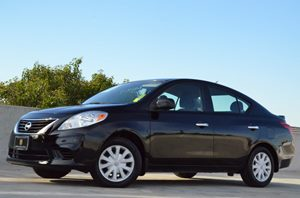 2014 Nissan Versa SV Carfax 1-Owner - No Accidents  Damage Reported to CARFAX  Super Black CL