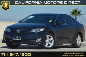 2014 Toyota Camry SE Carfax 1-Owner - No AccidentsDamage Reported 2 12V Dc Power Outlets 4 Cyli