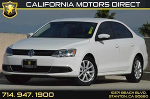 2013 Volkswagen Jetta Sedan SE wConvenience Carfax 1-Owner - No AccidentsDamage Reported 5 Cyli