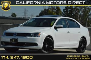 2014 Volkswagen Jetta Sedan SE wConnectivitySunroof PZEV Carfax 1-Owner - No AccidentsDamage Re