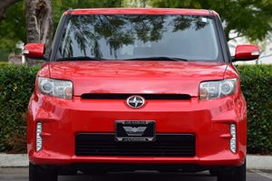 2013 Scion xB  Carfax 1-Owner  Absolutely Red -11999 16398 Per Month -ON APPROVED CREDIT