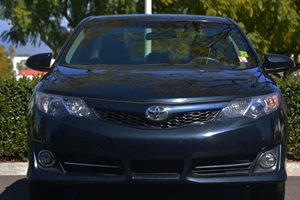 2013 Toyota Camry SE Carfax 1-Owner  Attitude Black Metallic 18347 Per Month -ON APPROVED CR