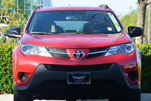 2013 Toyota RAV4 LE Carfax 1-Owner  Barcelona Red Metallic  ---  20945 Per Month -ON APPR