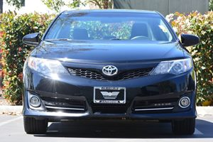 2014 Toyota Camry SE Carfax 1-Owner - No AccidentsDamage Reported  Attitude Black Metallic 1