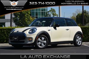 2014 MINI Cooper Hardtop  Carfax 1-Owner  Pepper White ---  18347 Per Month -ON APPROVED