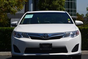 2014 Toyota Camry LE Carfax 1-Owner  Super White 17047 Per Month -ON APPROVED CREDIT---