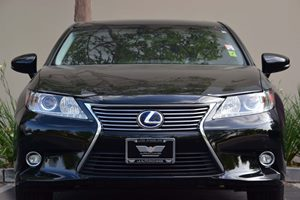 2015 Lexus ES 300h Hybrid Carfax 1-Owner - No AccidentsDamage Reported Convenience  Adjustable